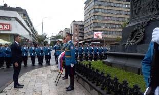 OBELEŽAVANjE VIDOVDANA U KRUŠEVCU: Litija, venci i molitve kosovskim junacima (FOTO)