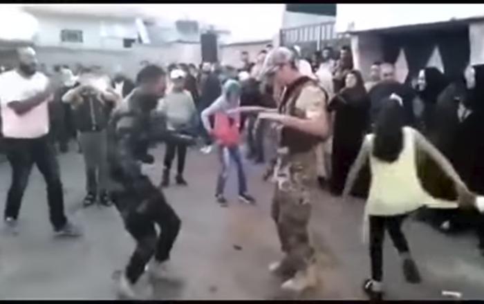 "Kad zapleše ""kalašnjikov"" – Sirija igra (video)"