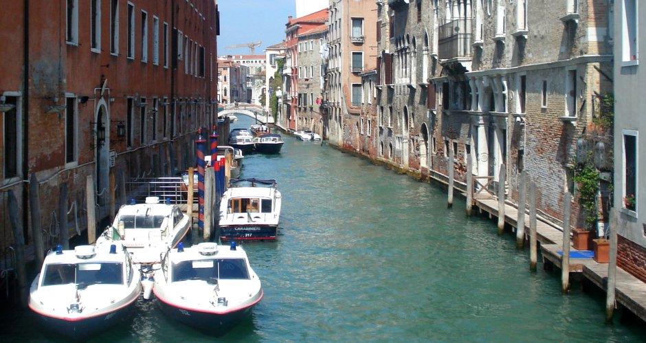 "Venecija opet ""dere"": Dve kafe i dve vode 43 evra!"
