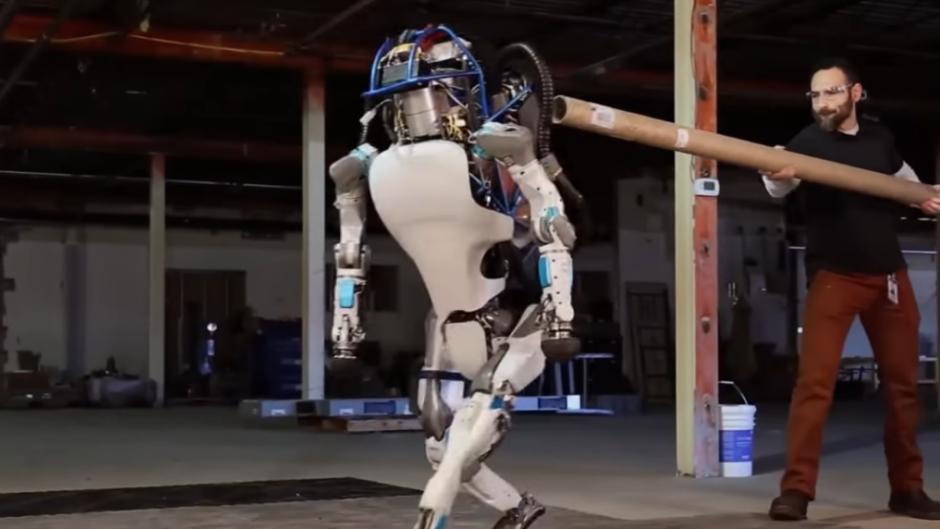 ZATVORITE HOLIVUD:Robot igra glavnu ulogu u filmu!