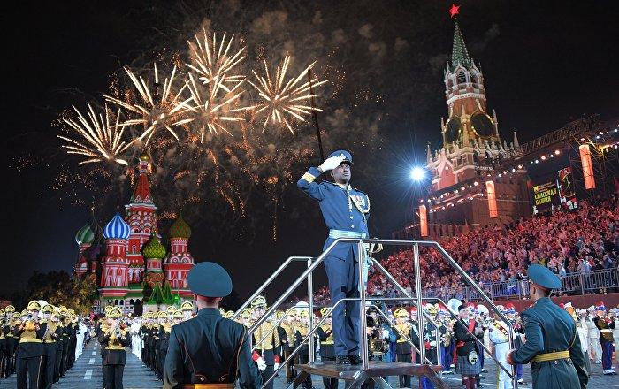 Oficirski bal na Crvenom trgu (video, foto)