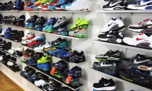 Zaplenjeno 164 pari obuće, falsifikati poznatih robnih marki