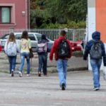 ŠTA SE ZBIVA U MALOM IĐOŠU? Samo tri osmoletke, a više tužbi zbog bežanja sa časova od Beograda
