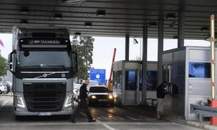 AMSS: Saobraćaj umeren, čekanje za kamione na Horgošu dva sata