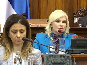 Mihajlovićeva u Skupštini: Lakše i brže uklanjanje bespravnih objekata