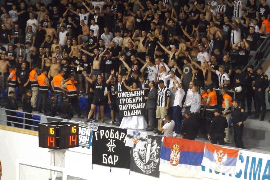 Grobari mladenci KK Partizan Mornar Bar