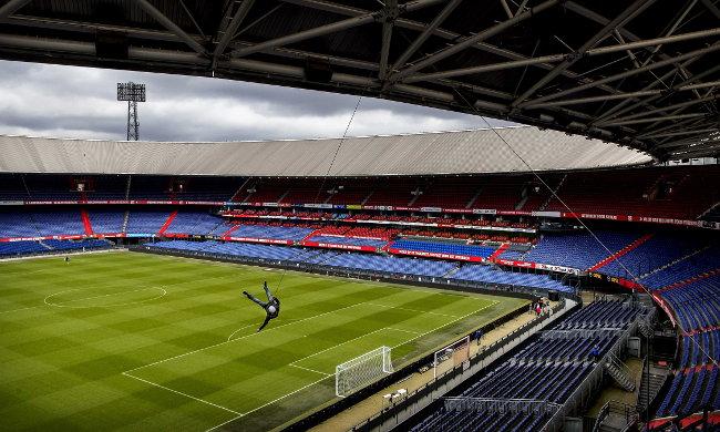 """""""Pala sklopka"""" - Ništa od fudbala u Roterdamu (foto)"""