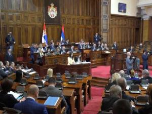 Poslanička pitanja o KiM,  izborima u Lučanima,  EP rezoluciji