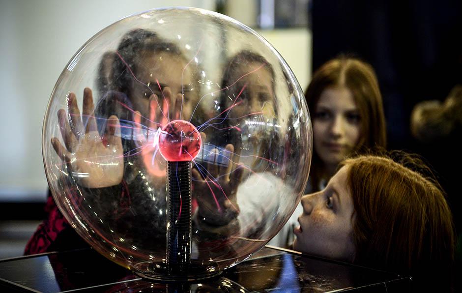 Klinci, budućnost je vaša! (FOTO)