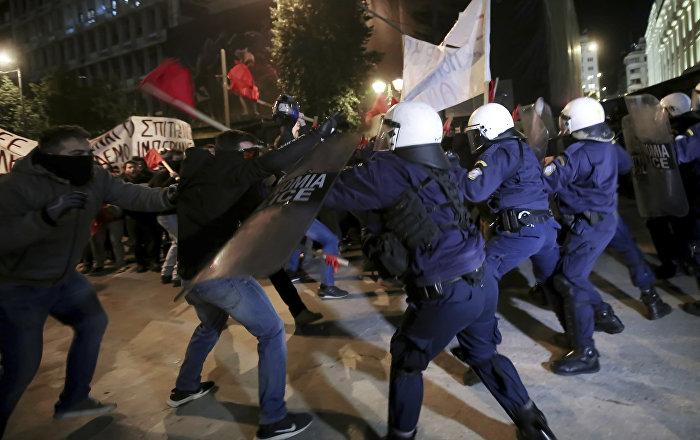 Grci besni zbog dolaska Merkelove: Došla je da obiđe pustoš koju je za sobom ostavila