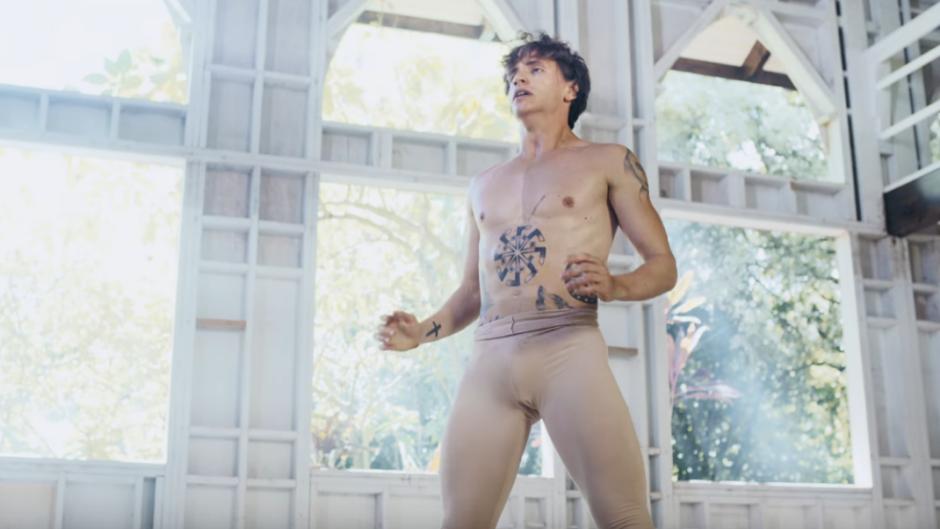 Baletan otpušten zbog homofobije na Instagramu! (VIDEO)