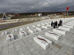 Potpredsednik EP posetio grob Adema Jašarija