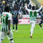 Jevtović skrivio penal, Konjaspor preživeo Bursu