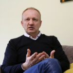 VUČIĆEVA PODRŠKA SA GALERIJE Ðilas osudio ambasadore zbog prisustva sednici skupštine
