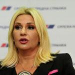 Mihajlović: Politički život je u institucijama, a ne u šatoru