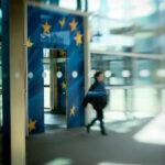Izveštaj Komisije: Od Beograda do Brisela, pa u krug