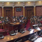 Brnabić sa ministrima odgovarala poslanicima u parlamentu