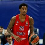 Teška povreda košarkaša CSKA: Klajburn u bolovima puzao po parketu