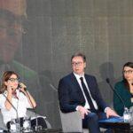 Predsjednici Sjeverne Makedonije, Srbije i Slovenije, Stevo Pendarovski, Aleksandar Vučić i Borut Pahor na panel diskusiji na Regionalnom forumu mladih lidera koji se održava u Novom Sadu