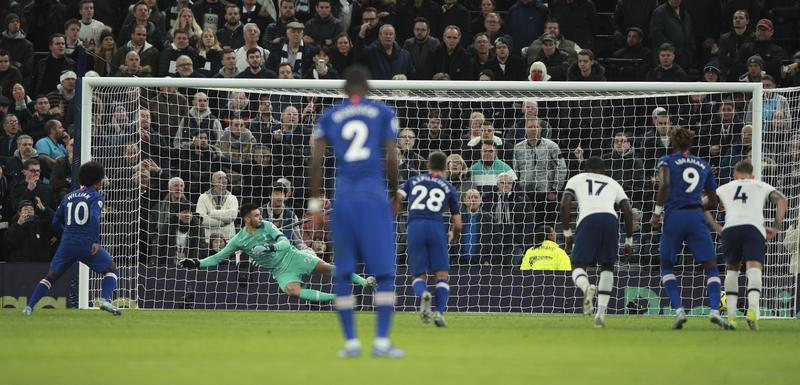 Vilijan pogađa iz penala za 2:0