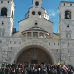 Građani ispred Hrama Hristovog vaskrsenja