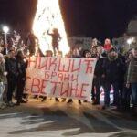 Nikšićani opet izašli na ulice, ometali saobraćaj, pozvali građane da dođu na litiju u utorak veče