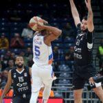 Derik Nidam na meču sa Partizanom