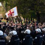Policija na protestu - dan uoči usvajanja Zakona o slobodi vjeroispovijesti